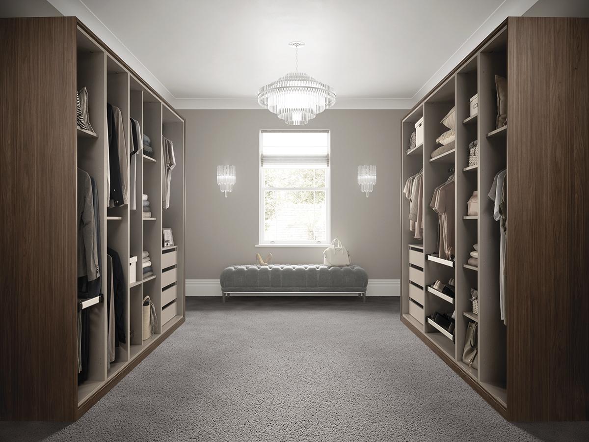 Holcombe_-_Dressing_Room